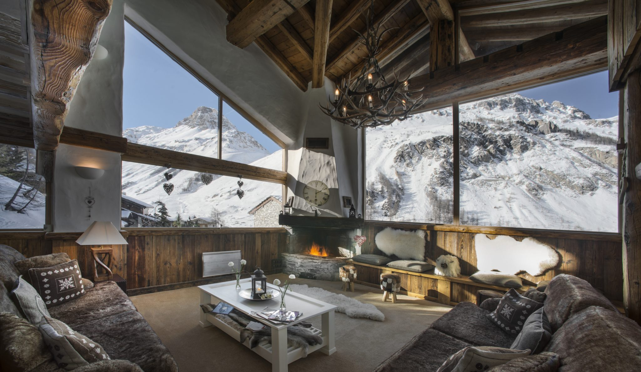 le-kilimanjaro-sitting-room-2