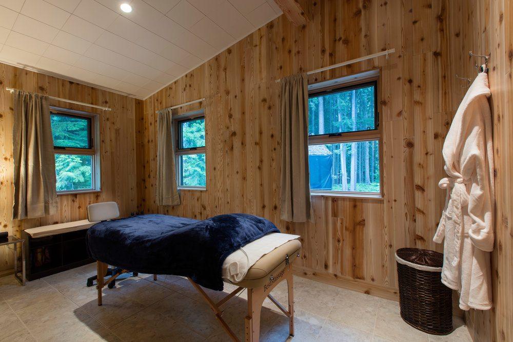whiteworth-massage