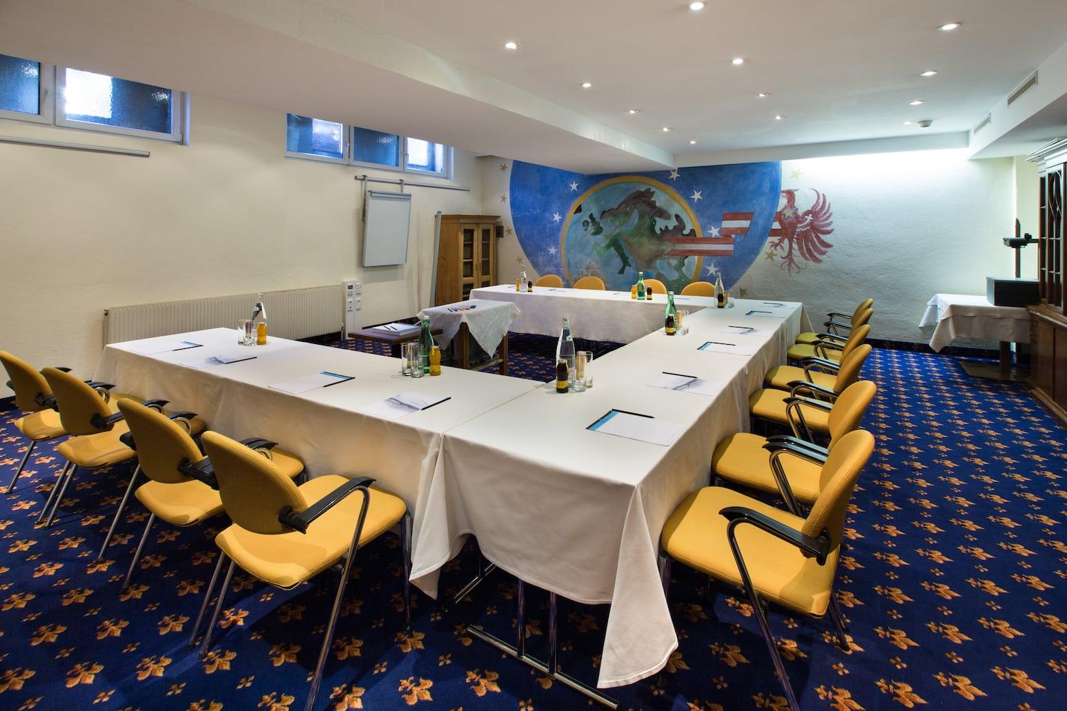 raffls_antonerhof_meeting_room_px3a8955