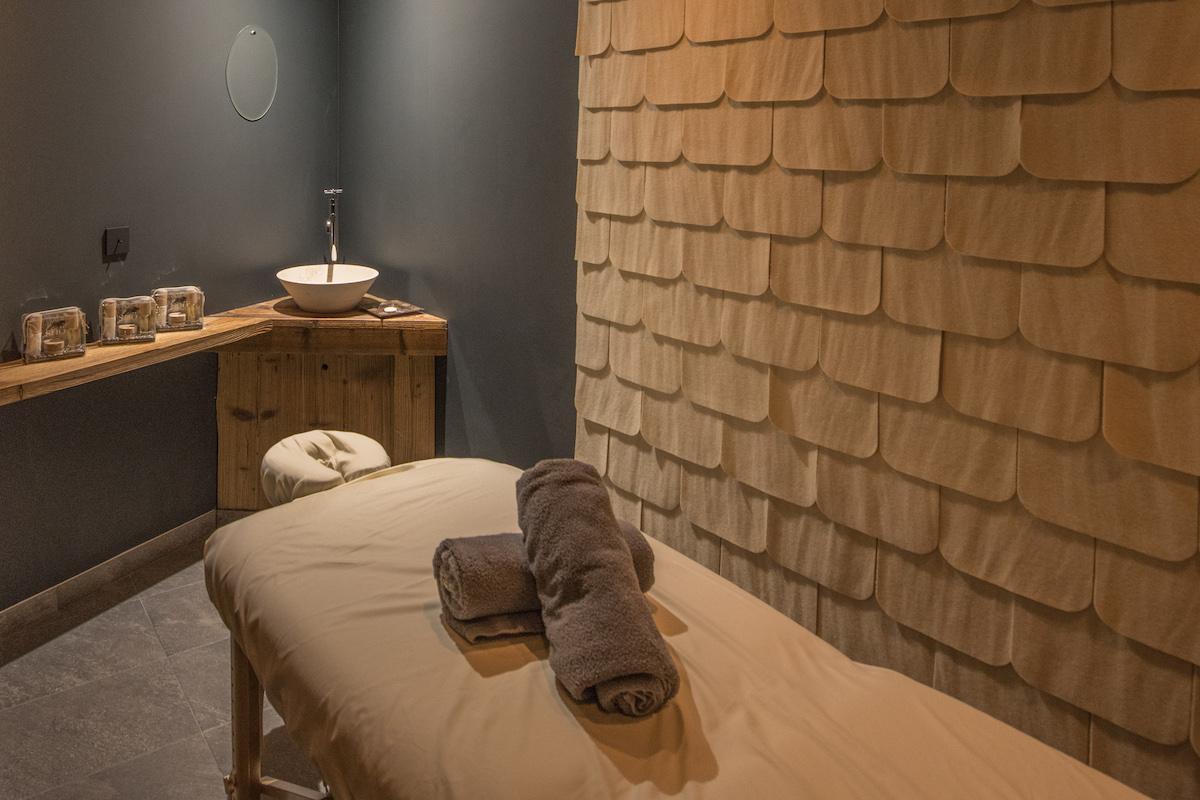 17-massage-room
