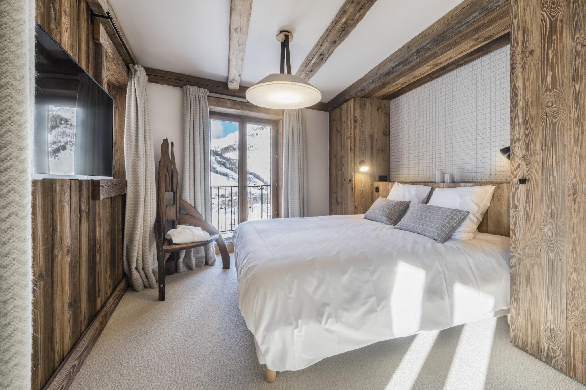 bedroom-1-7