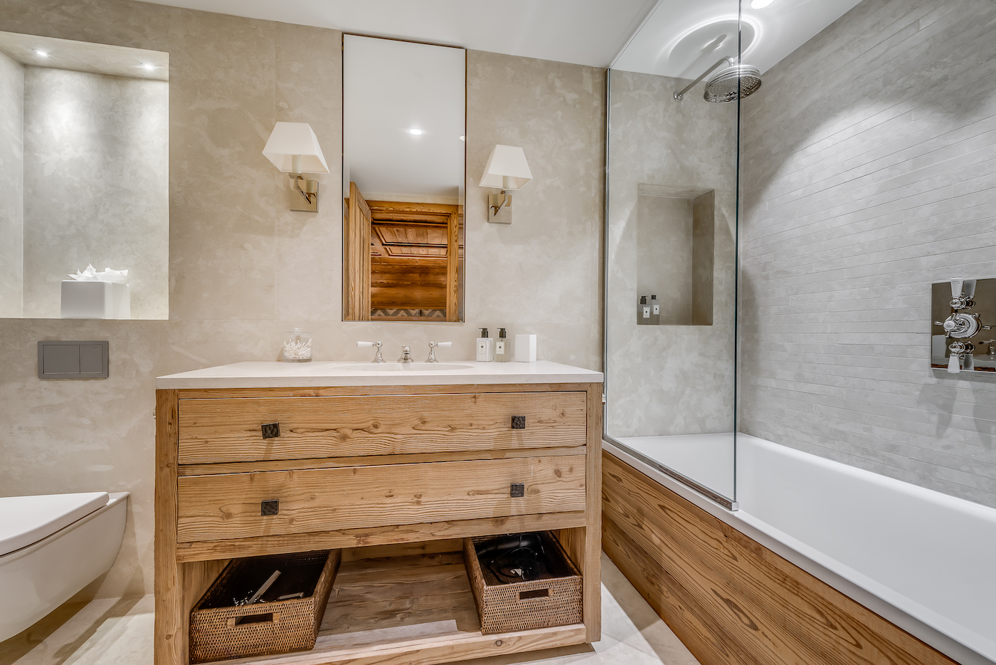 petit-chamois-bedroom-3-bathroom