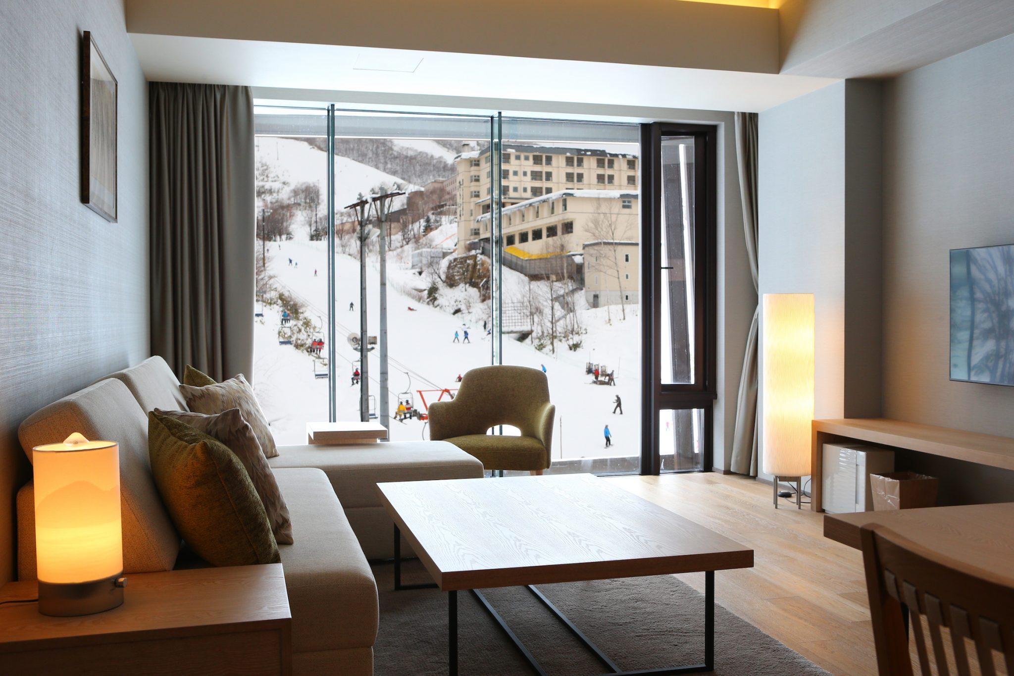 aya-niseko-2-bedroom-resort-view-winter-3