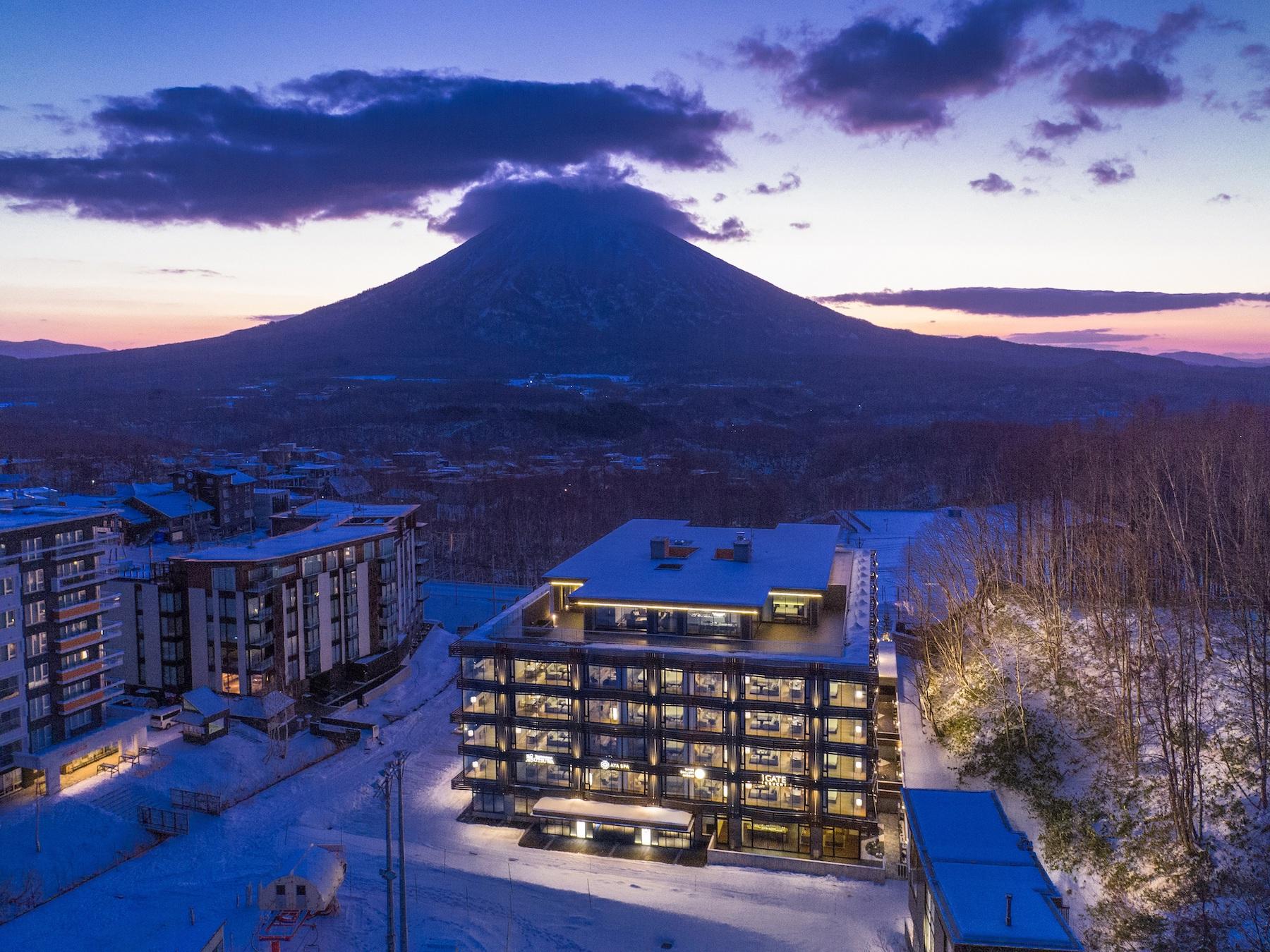 aya-niseko-exterior-winter-3