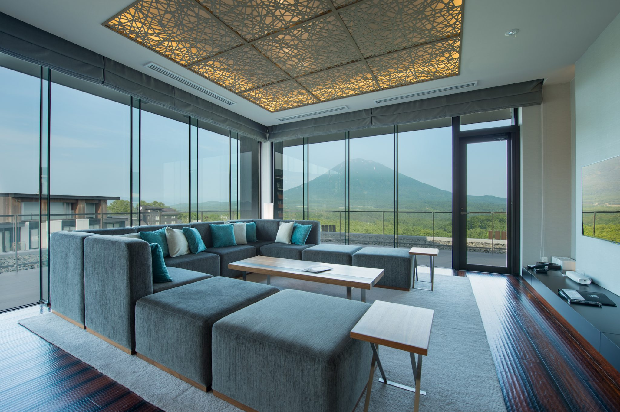 aya-niseko-penthouse-a-summer-2