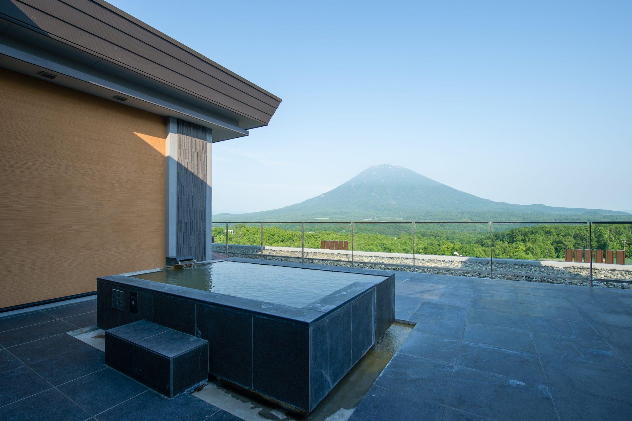 aya-niseko-penthouse-a-summer-3