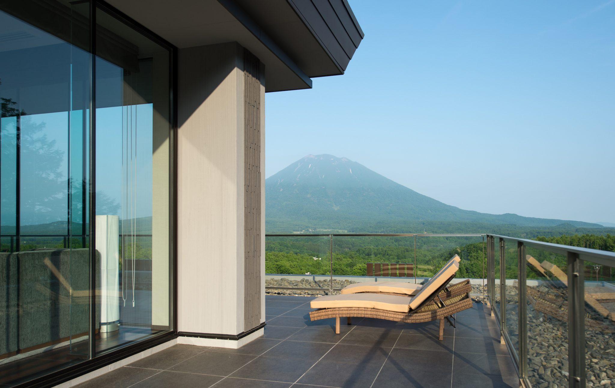 aya-niseko-penthouse-b-summer-2