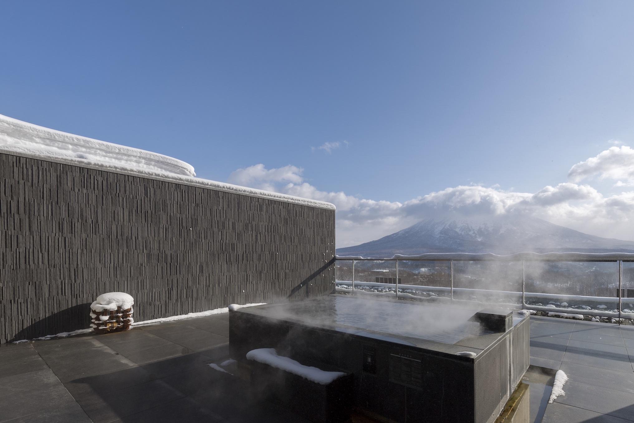 aya-niseko-penthouse-b-winter-5