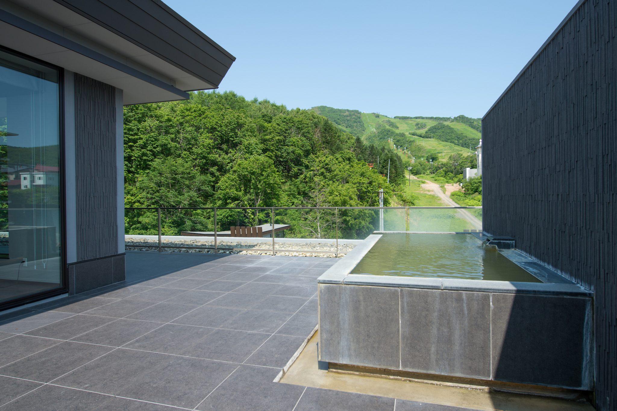 aya-niseko-penthouse-c-summer-12