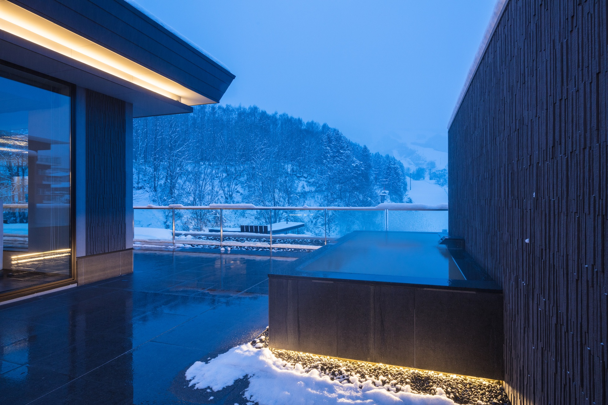 aya-niseko-penthouse-c-winter-8