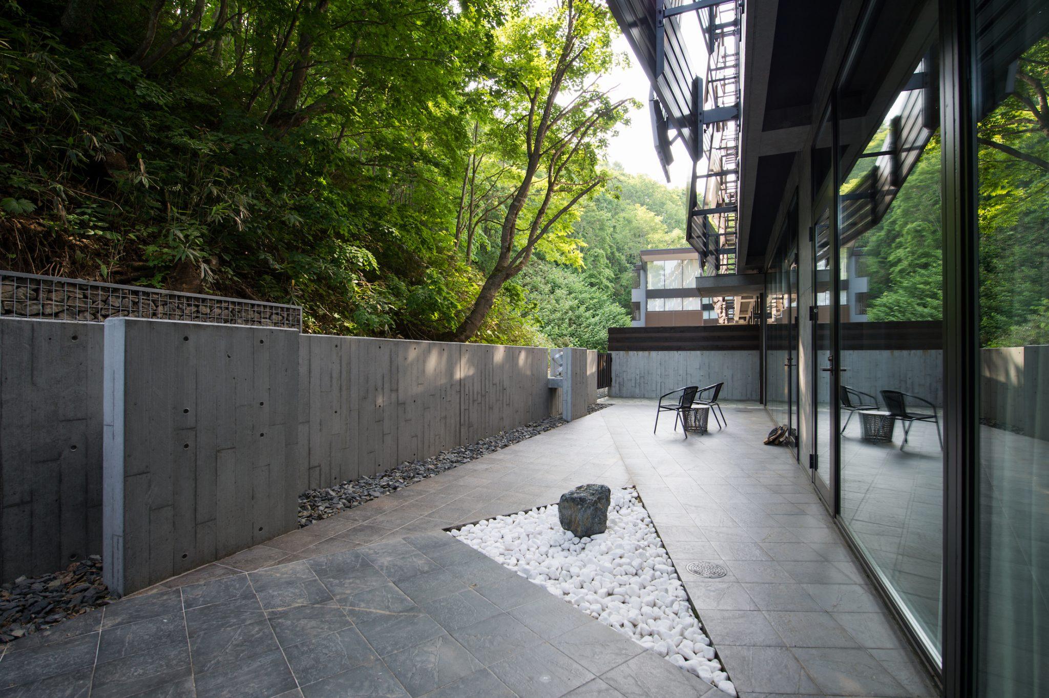 aya-niseko-residence-a-summer-8