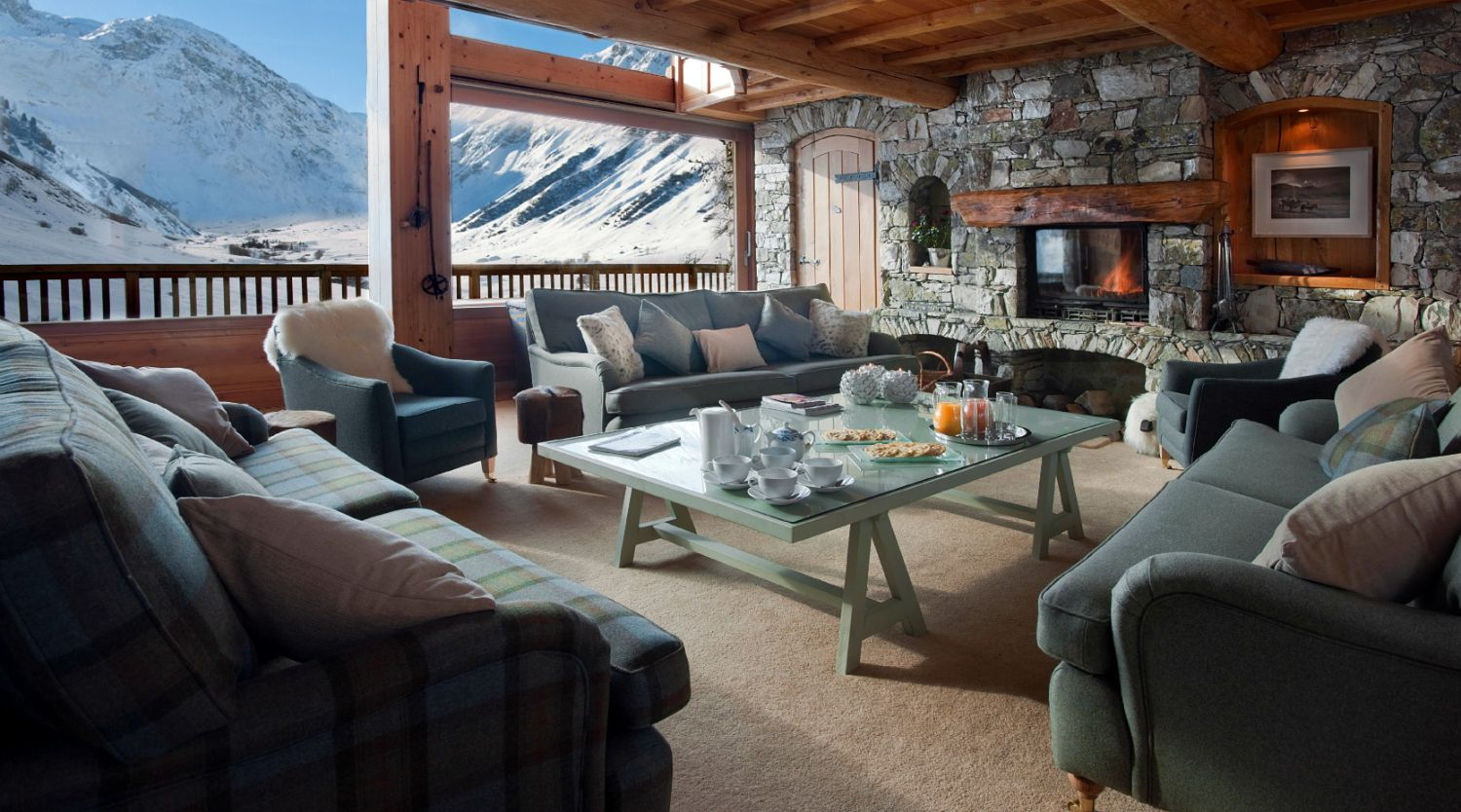 Rustic living room area of Chalet Le Chardon