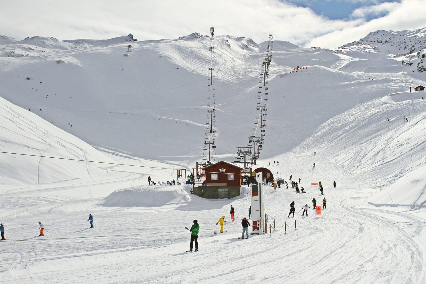 Best Ski Chalet Deals for New Year 2020/21 | Camel Snow