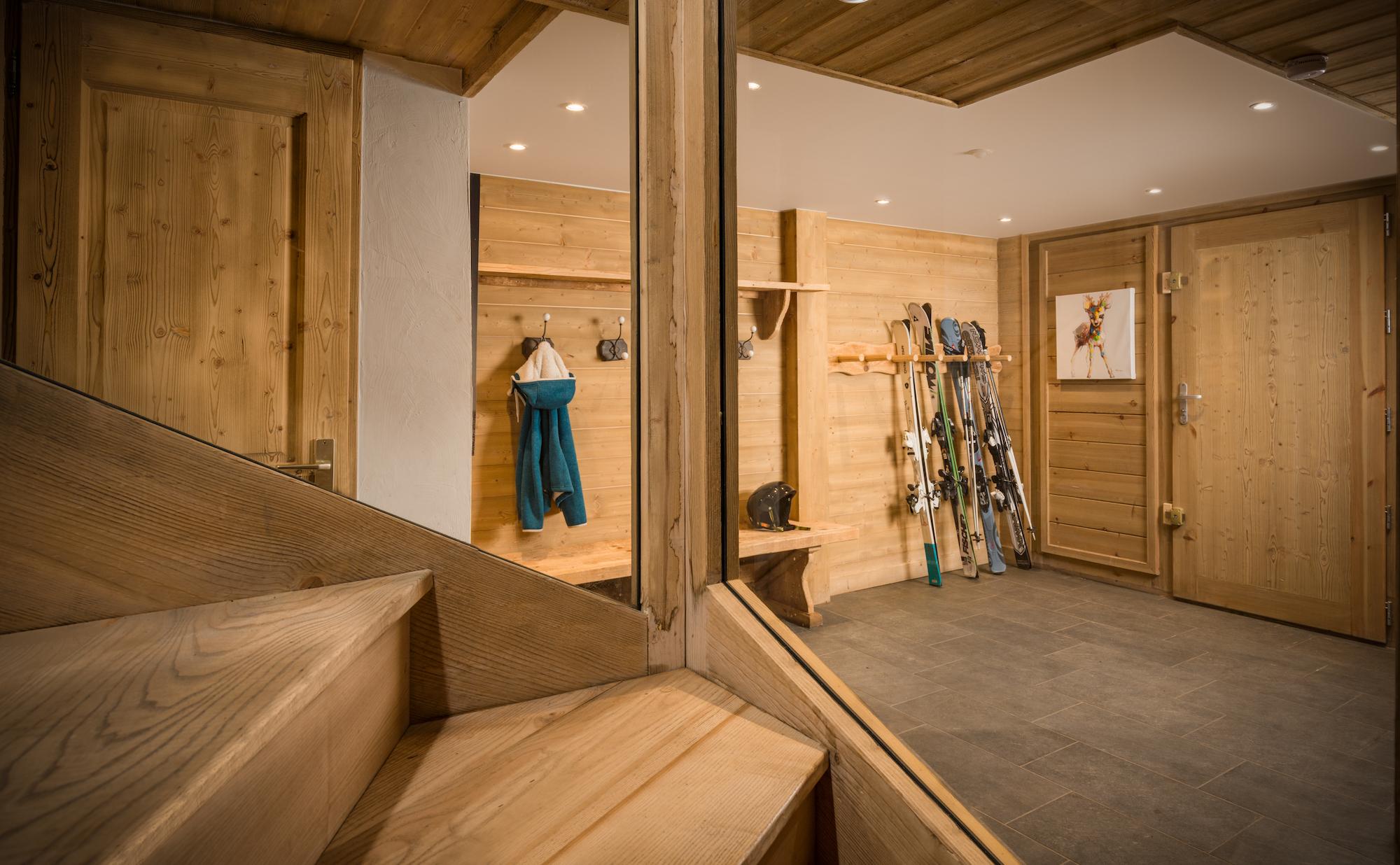 ski_room