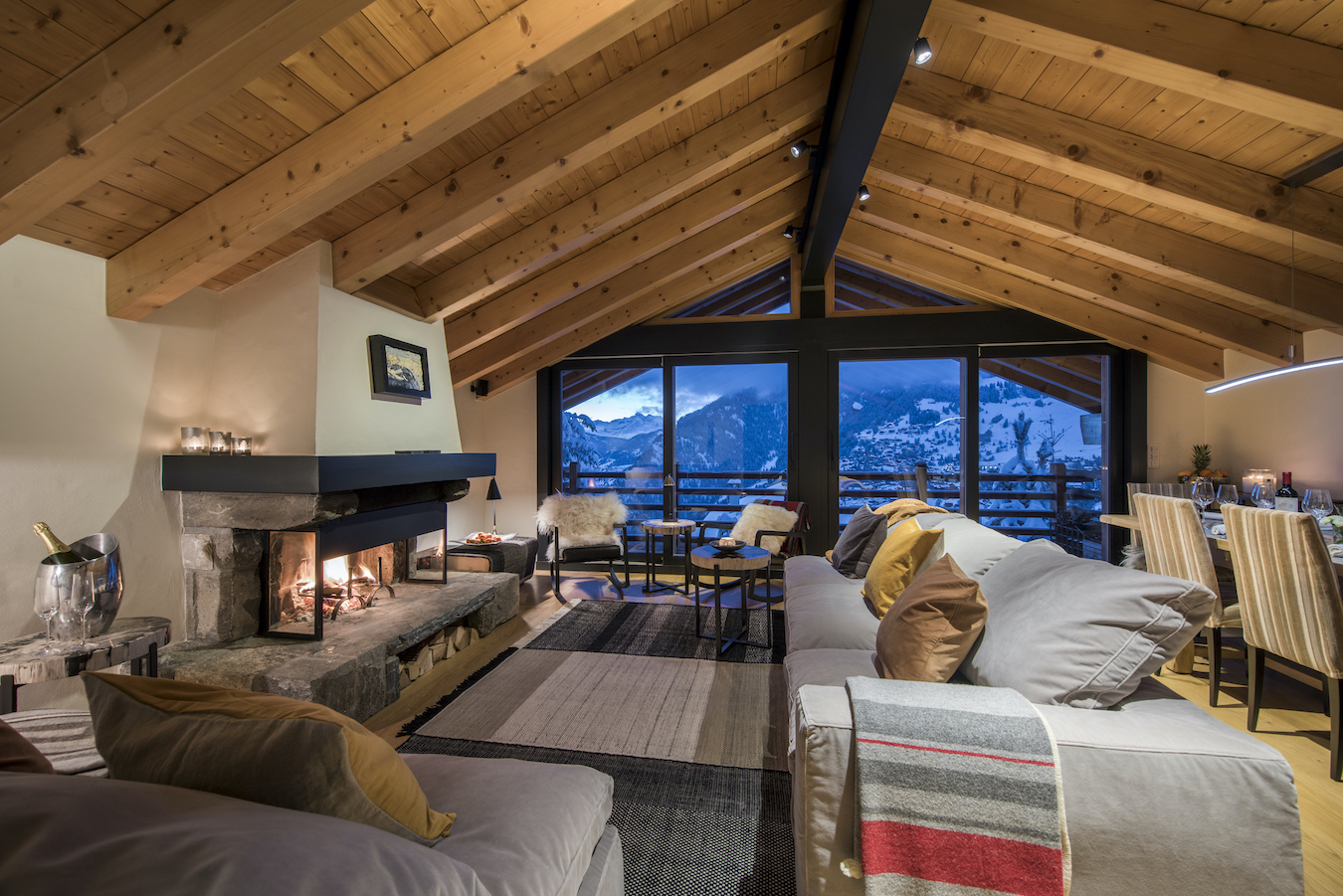 Chalet Sorojasa - Living Room