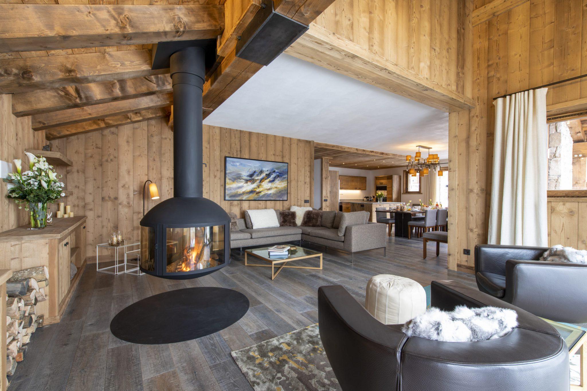 Cala 201 - Fireplace